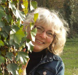 Véronique Vauclaire<br><i><small>Naturopathe & Sophrologue</i></small>