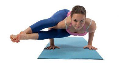 Astavakrasana : posture à huit angles
