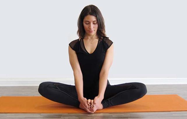 Baddha konasana : posture du cordonnier