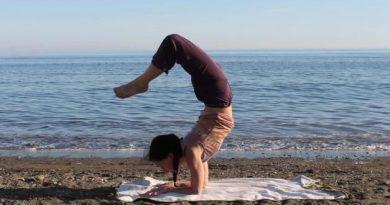 Vrischikasana : posture du scorpion