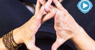 Surabhi Mudra : le geste qui réalise les vœux