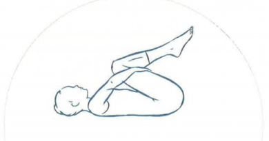 étirement de l'etreinte des genoux