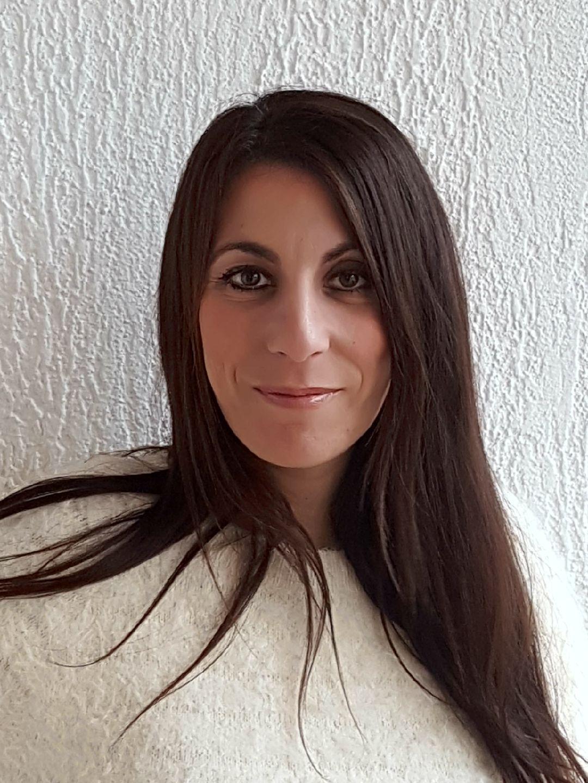 Cécile Léoni<br><i><small>Naturopathe Iridologue & Auriculothérapeute</i></small>