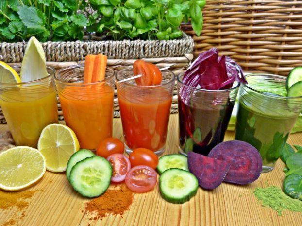 10 jus de l gumes sains et simples faire la maison therapeutes magazine - Faire des jus de legumes ...