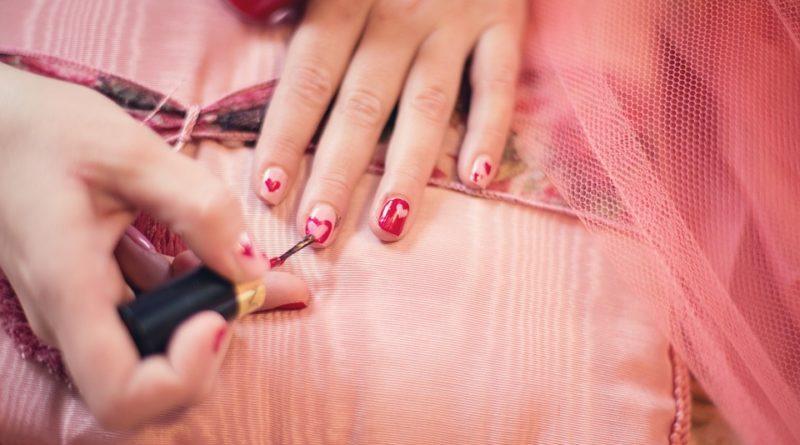 Les dangers des vernis à ongles: ce que l'on vous cache !